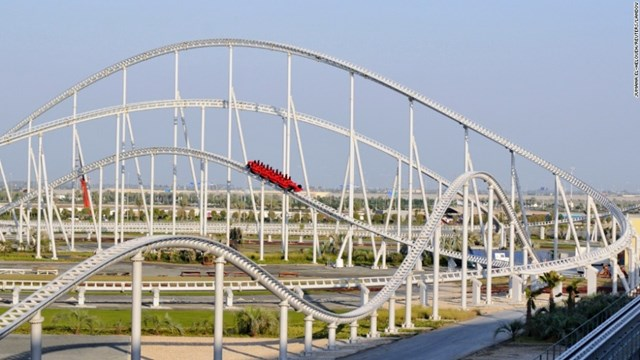 Với vận tốc tăng từ 0 đến 149,1 mph (tức khoảng 240km/giờ) trong 4,9 giây, tàu lượn siêu tốc cảm giác mạnh Formula Rossa trong công viên Ferrari World ở Abu Dhabi là tàu lượn nhanh nhất thế giới.