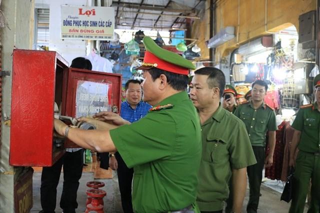 Công an TP Hải Phòng kiểm tra công tác PCCC tại chợ Ga, quận Ngô Quyền.