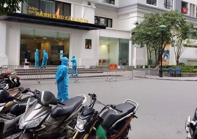 Phong tỏa tòa nhà T6 Times City (Hà Nội) có bệnh nhân mắc Covid-19. Nguồn: VOV.