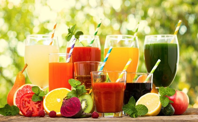 Nước ép trái cây bổ sung vitamin và khoáng chất cho cơ thể.