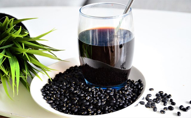 Nước đỗ đen thức uống bổ dưỡng, giải nhiệt sau Tết.