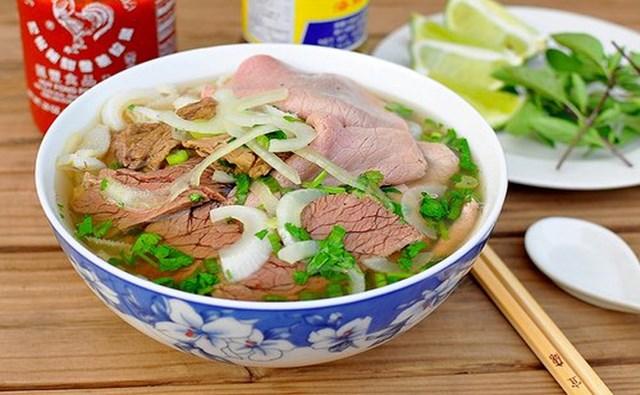 Phở là món ăn được người dân Hà Nội ưu ái sử dụng.
