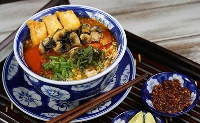 Bún ốc món ăn thay đổi được nhiều gia đình lựa chọn sau tết.