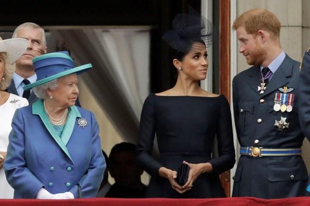 Vợ chồng Hoàng tử Harry rút khỏi vai trò thành viên cấp cao hoàng gia Anh. (Ảnh: Getty).
