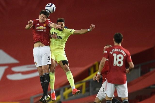 Hàng thủ của Man Utd vẫn chưa thể chắc chắn như kỳ vọng.