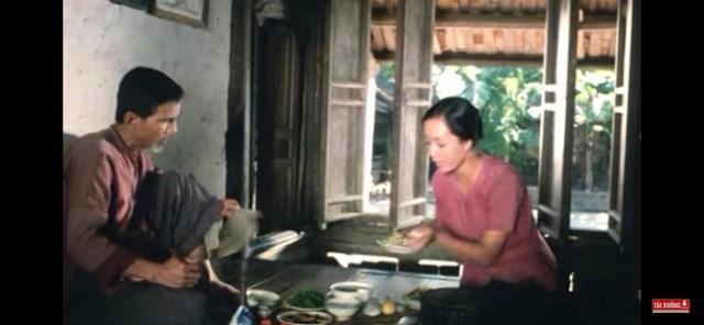 """""""Được đóng phim với nghệ sĩ gạo cội, tài năng như NSND Trần Hạnh, tôi được học hỏi và cảm giác được nâng đỡ về cảm xúc rất nhiều"""", Chiều Xuân kể. (Ảnh: FBNV)."""