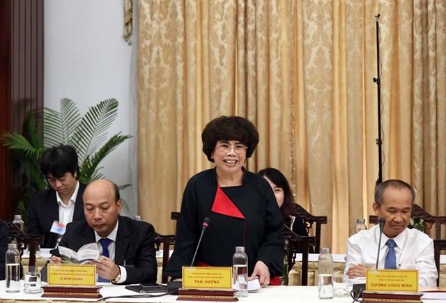 Bà Thái Hương, Chủ tịch HĐQT Công ty Cổ phần thực phẩm chăn nuôi TH phát biểu. (Ảnh: Thống Nhất/TTXVN).