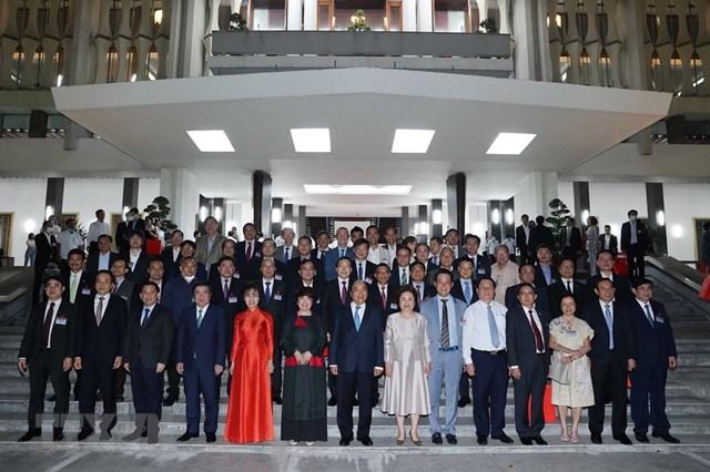Thủ tướng Nguyễn Xuân Phúc với các đại biểu. (Ảnh: Thống Nhất/TTXVN).