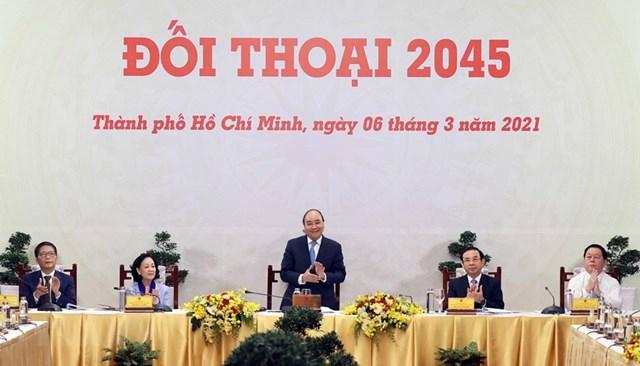 """Thủ tướng Nguyễn Xuân Phúc chủ trì cuộc """"Đối thoại 2045."""" (Ảnh: Thống Nhất/TTXVN)."""