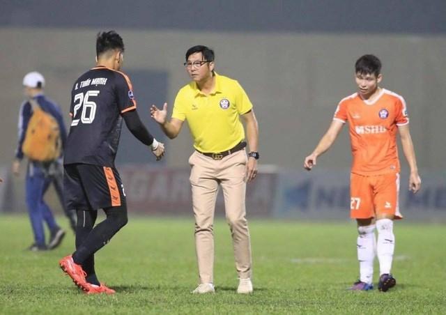 SHB Đà Nẵng đang kém ngôi đầu bảng của HA Gia Lai 1 điểm và đặt quyết tâm giành chiến thắng ở vòng 8 V-League (Ảnh: Gia Hưng).