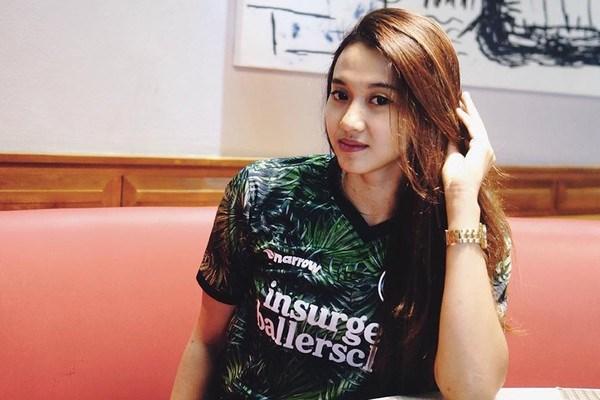 Pungky Afriecia sở hữu chiều cao 1,7 mét và thi đấu ở vị trí chuyền hai. Cô khởi đầu sự nghiệp với CLB Alko Bandung. Sau đó, cô đã cùng đội bóng này giành chức vô địch giải bóng chuyền Indonesia vào năm 2015.