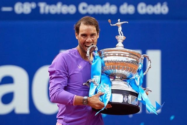 Nadal lần thứ 12 vô địch Barcelona Open.