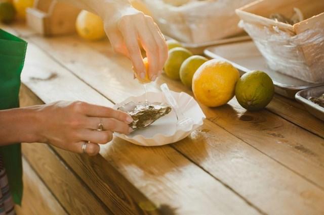 [ẢNH] Cảnh giác những loại thực phẩm dễ gây ngộ độc trong ngày nắng nóng - Ảnh 7