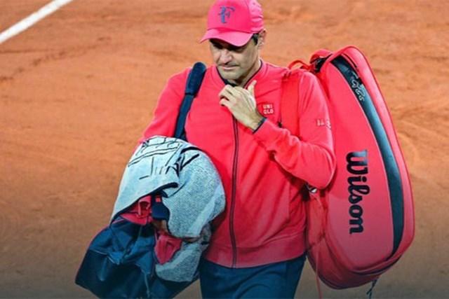 Roger Federer không đủ thể lực để có thể tiếp tục thi đấu ở Roland Garros. Điều đó có nghĩa rằng anh sẽ lỡ hẹn với trận tứ kết gặp Djokovic.