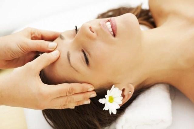 Châm cứu điều trị rụng tóc sẽ có hiệu quả hơn khi được sử dụng kết hợp với liệu pháp thảo dược và liệu pháp xoa bóp.