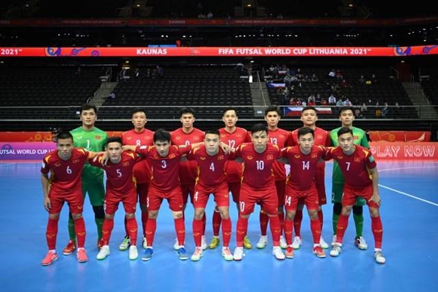Tinh thần chiến đấu tuyệt vời được các cầu thủ ĐT Futsal Việt Nam thể hiện xuyên suốt các trận đấu của vòng bảng Futsal World Cup 2021. Ảnh: Getty.