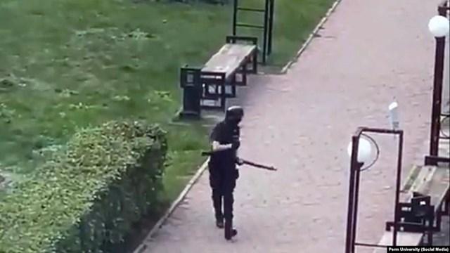 Ảnh chụp nghi phạm xả súng tại trường đại học Perm. (Nguồn: CNN).