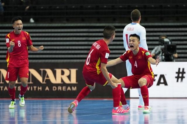 ĐT Futsal Việt Nam cho thấy trình độ chuyên môn được cải thiện đáng kể ở giải đấu trên đất Lithuania. Ảnh: Getty.