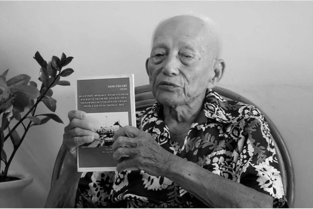 Trung tá Đặng Văn Việt vừa qua đời ở tuổi 102 (Ảnh: Phạm Vân).