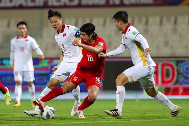 Đội tuyển Việt Nam có thể nhảy lên thứ 3 bảng B nếu thắng Oman, còn Nhật Bản và Trung Quốc đều thất bại.