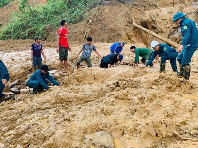 Quảng Nam: Thêm điểm sạt lở tại xã Phước Lộc vùi lấp 11 người - Ảnh 5