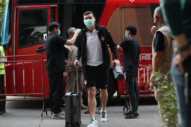 """Thủ môn Đặng Văn Lâm và CLB Muangthong United sẽ đá lại """"trận đấu mất điện"""" với CLB Port Authority vào ngày 2/12."""