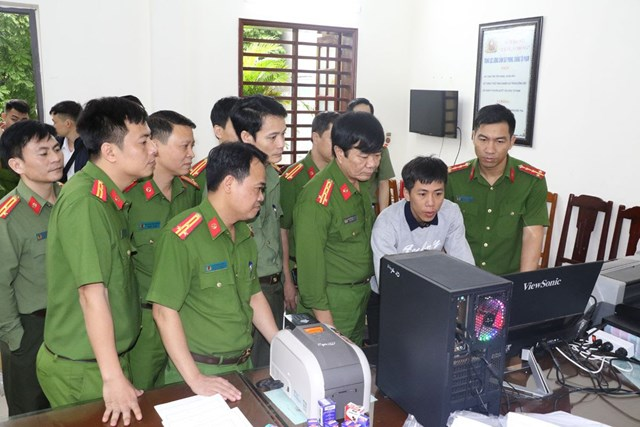 Thanh Hoá: Ba cán bộ tham gia đường dây làm bằng cấp giả