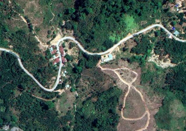 Từng là ngôi làng xanh tươi trù phú (Ảnh google map).
