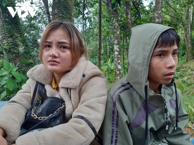 Hồ Thị Hòa có ba mẹ, con trai 4 tuổi, em gái thiệt mạng và mất tích cùng Lê Thanh Tú (con trai ông Lê Hoàng Việt, Bí thư Đảng ủy xã Trà Leng) là cháu ngoại của ông Hồ Văn Đề.