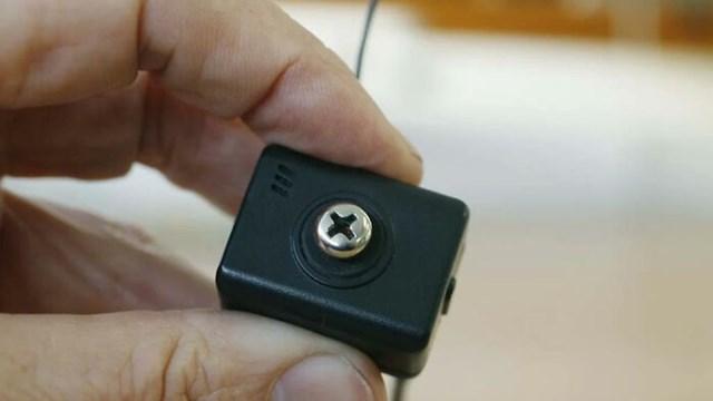 Camera được giấu bên trong ốc vít rất khó để có thể phát hiện.