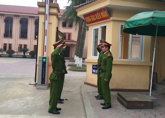 Cảnh sát Bảo vệ mục tiêu cơ quan ngoại giao. Ảnh: CAND.