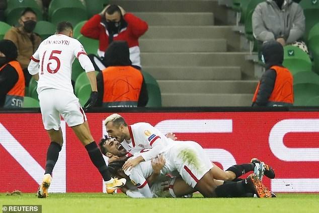 Sevilla thẳng tiến vòng 1/8 Champions League. (Nguồn: Reuters).
