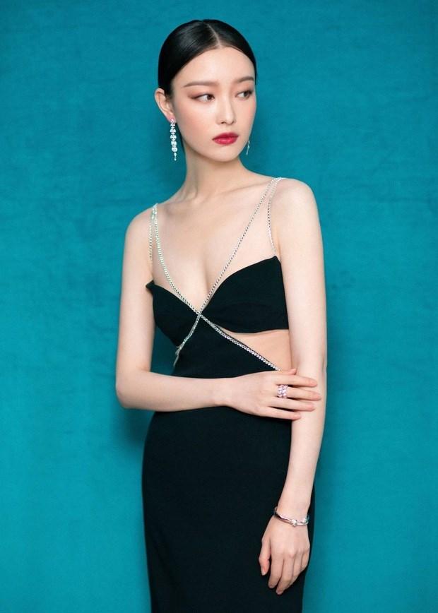 """Vai nữ chính của Nghê Ni trong """"Kim Lăng thập tam thoa"""" của đạo diễn Trương Nghệ Mưu đã giúp cô trở thành ngôi sao hạng A của làng giải trí Trung Quốc."""