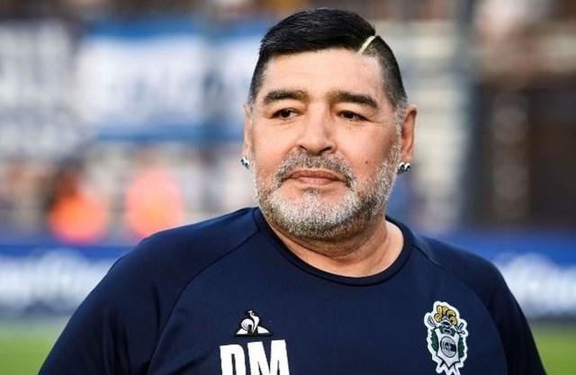 Vẫn có nhiều nghi vấn (đặc biệt là trách nhiệm của đội ngũ y tế) xung quanh cái chết của Maradona.