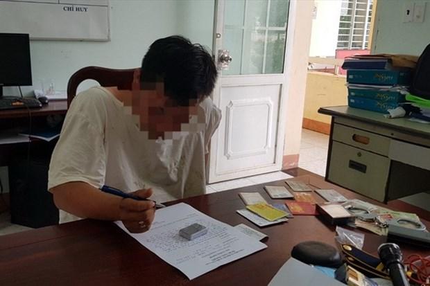 Bắt quả tang sinh viên trộm đồng hồ 138 triệu đồng. (Nguồn: laodong.vn).