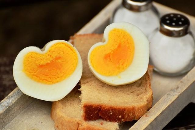 Trứng.
