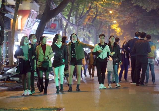Quận Hoàn Kiếm tổ chức 156 điểm trông giữ xe trên nhiều tuyến phố với diện tích 34.550m2 để đảm bảo nơi gửi phương tiện của nhân dân và du khách.
