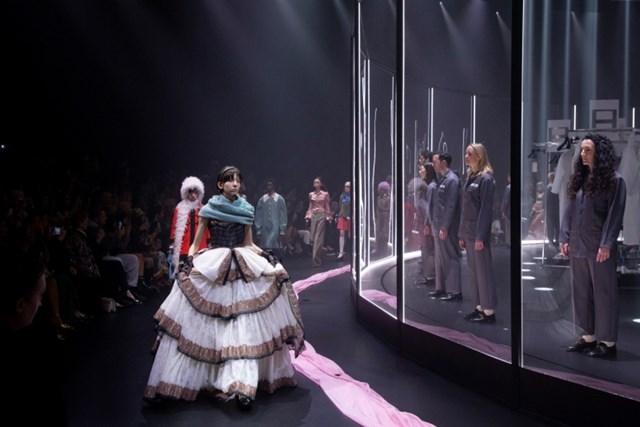 Thời trang thế giới 2020: Thoát khỏi lối mòn để vượt qua khủng hoảng hậu Covid-19 - Ảnh 7
