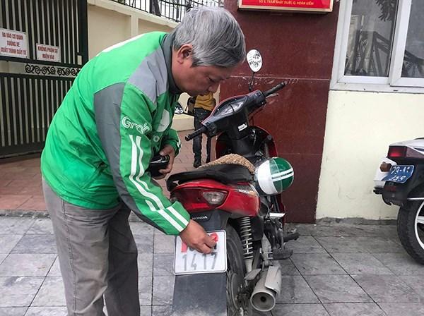 CSGT Hà Nội ra quân xử lý xe máy che biển kiểm soát - 2