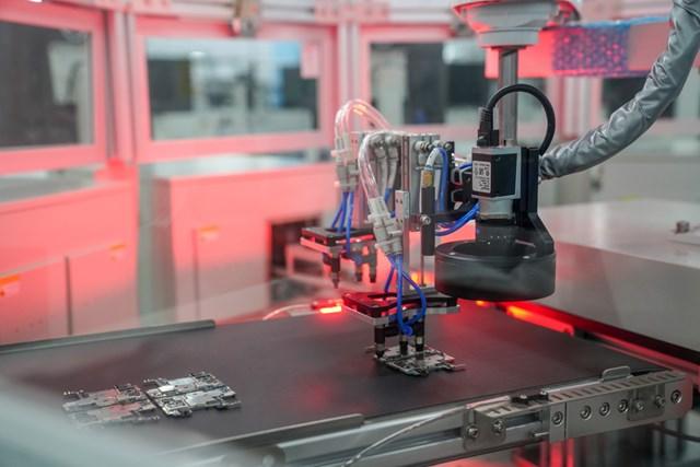 Đã mắt với dàn robot tối tân trong 'siêu đại bản doanh' của Vsmart - 8