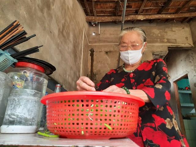 Quảng Nam: Cụ bà 77 tuổi ủng hộ 2 triệu đồng phòng, chống dịch Covid-19