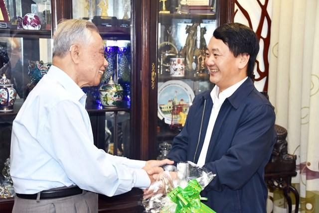 Phó Chủ tịch – Tổng Thư ký Hầu A Lềnh chúc Tết nguyên lãnh đạo Nhà nước, MTTQ Việt Nam