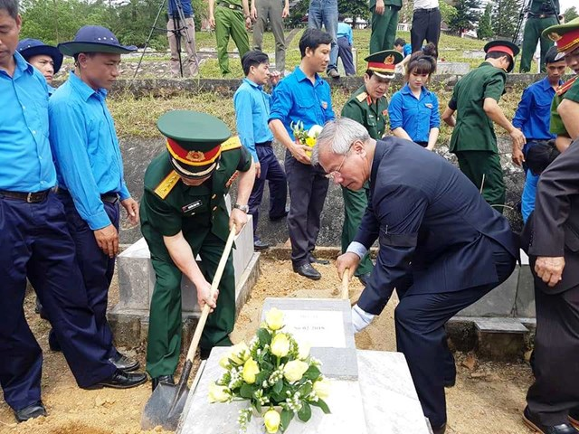 Đưa 12 hài cốt liệt sỹ hy sinh tại Lào về đất mẹ - 2