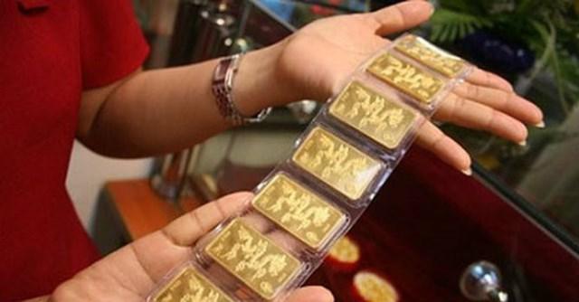 Giá vàng trong nước đảo chiều đi xuống, tỷ giá trung tâm giảm 2 đồng