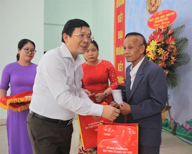 Chánh án Nguyễn Hòa Bình dự Ngày hội Đại đoàn kết tại Quảng Ngãi - 5