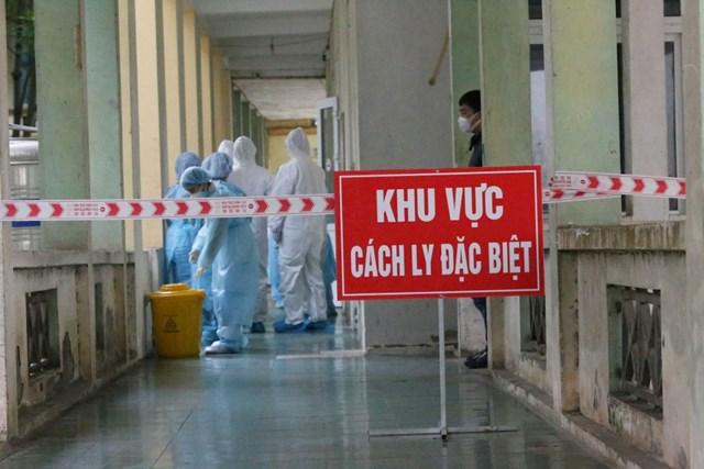 Thêm 4 ca mắc Covid-19, hai bệnh nhân liên quan đến ổ dịch quán bar Buddha