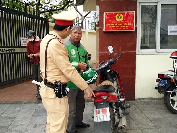 CSGT Hà Nội ra quân xử lý xe máy che biển kiểm soát - 1