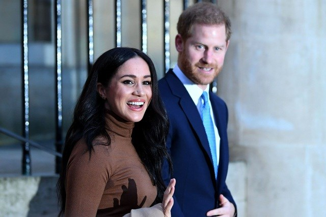 Hoàng tử Anh Harry bất ngờ rút khỏi vai trò thành viên Hoàng gia cấp cao