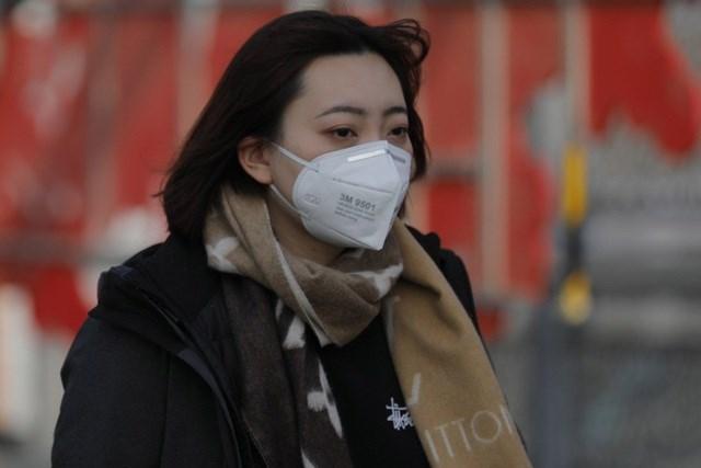 Trung Quốc dùng thuốc điều trị HIV cho bệnh nhân viêm phổi lạ