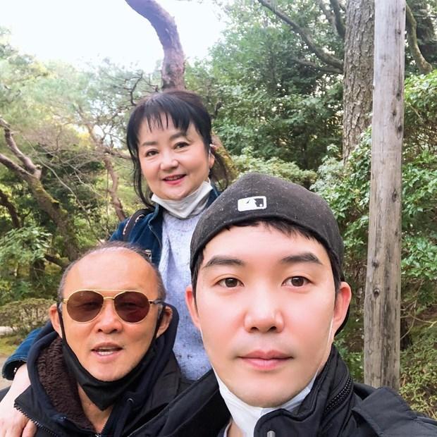 Hình ảnh HLV Park Hang-seo đón tết sum vầy cùng gia đình tại Nhật Bản - 1